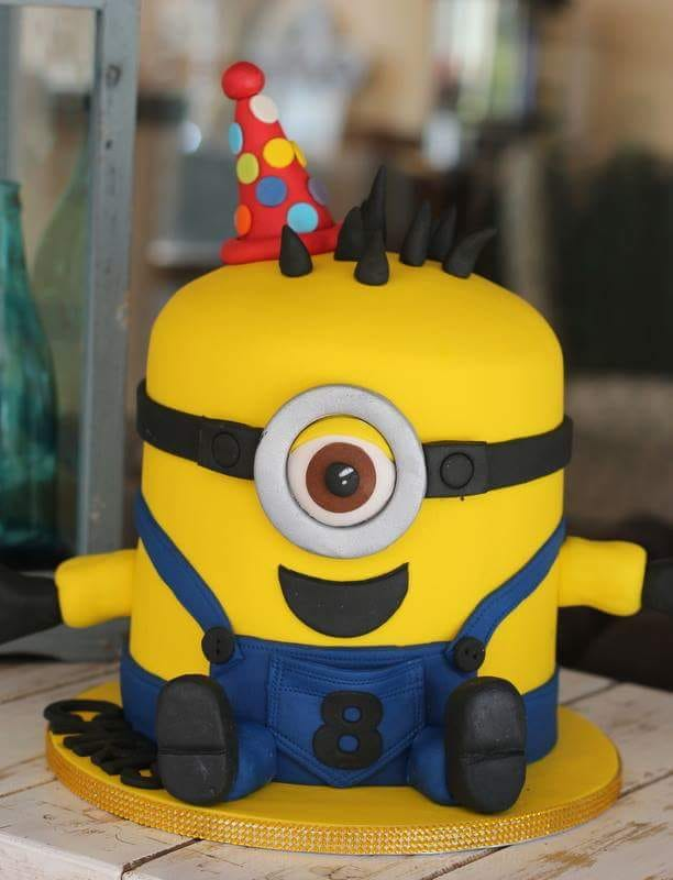 cakes with a minion theme