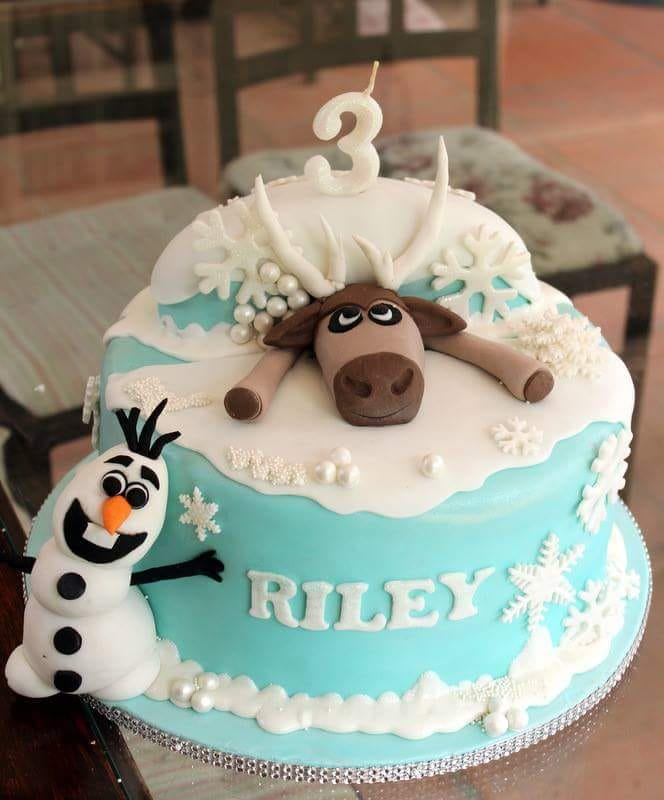 cakes with a frozen theme are perfect for a birthday cake. This cake was baked in Johannesburg South Africa