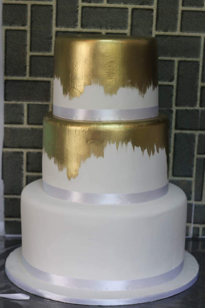 wedding cakes are hand made from scratch, proudly south african